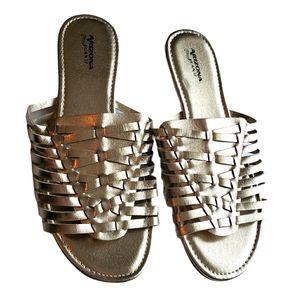 Arizona gold woven slip on sandals size 8.5